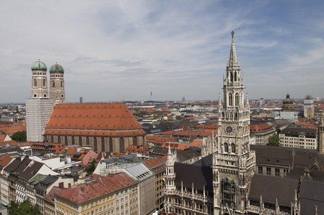 Снимка на Мюнхен, Германия, която присъства в курсовете по немски език-Велико Търново.