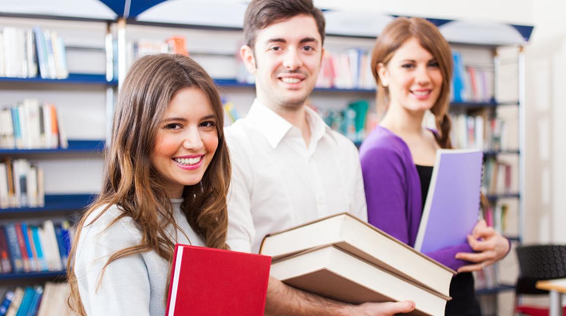 Ученици от курсовете по английски език на ниво A1/A2/B1